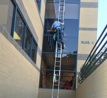 Holt window cleaning phoenix holt window cleaning - Exterior window cleaning services ...
